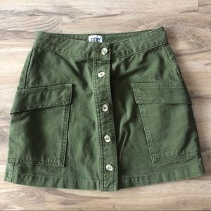 urban outfitters green button up skirt